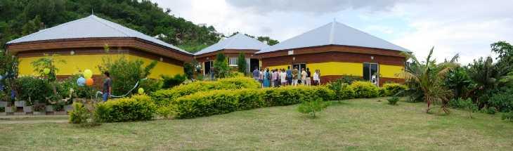 Maison de l'abeille à Petite Île